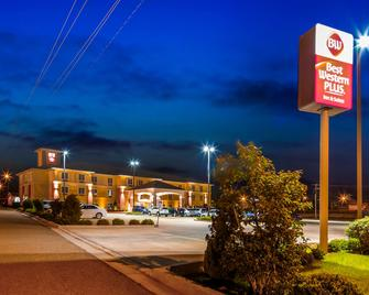 Best Western Plus Magee Inn And Suites - Magee - Building