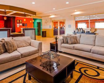Best Western Plus Magee Inn And Suites - Magee - Huiskamer