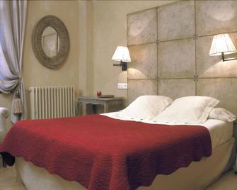 Hotel Plaza - Castejón de Sos - Schlafzimmer