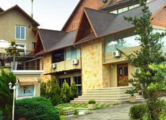 Sky Centro Hotel & Spa - Gramado - Edificio