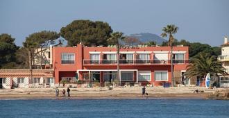 Hotel La Potiniere - Иер
