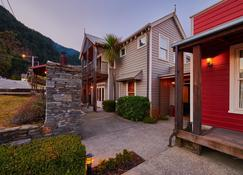 The Dairy Private Hotel by Naumi Hotels - Queenstown - Building