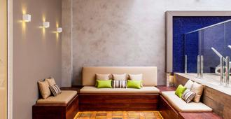 Mercure Curitiba Batel Hotel - Curitiba - Living room