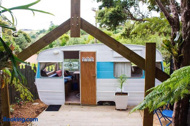 Wai-Knot Accommodation - Onetangi - Balcony