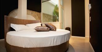 Fabris Palace - Trani - Bedroom