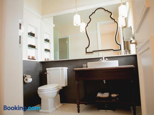 Villa Song Saigon - Ho Chi Minh City - Bathroom
