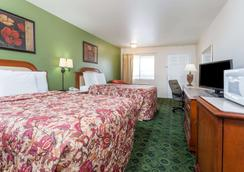 Days Inn by Wyndham Westley - Westley - Bedroom