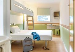 Ibis budget München City Süd - Munich - Bedroom