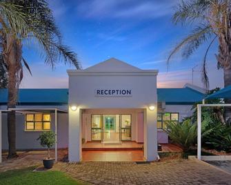 Protea Hotel by Marriott Polokwane Landmark - Polokwane - Building