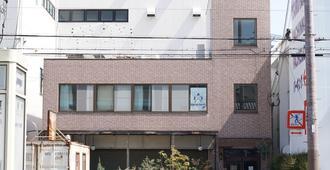 Bonfire Hostel Osaka - אוסקה - בניין