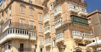 Grand Harbour Hotel - Valletta - Building