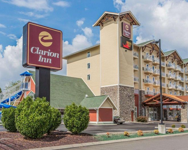 Clarion Inn - Pigeon Forge - Building