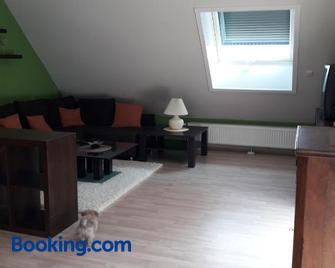 Ferienwohnung im Rhein-Main Gebiet nahe Frankfurt - Roedermark - Living room
