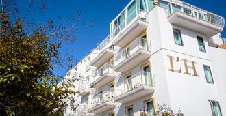 L'H Hotel - Riccione - Κτίριο