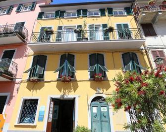 B&B in Piazzetta - Sarzana - Edificio