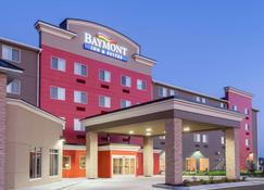 Baymont by Wyndham Grand Forks - Grand Forks - Building