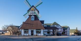 OYO Hotel Windmill Branson - Branson - Edificio