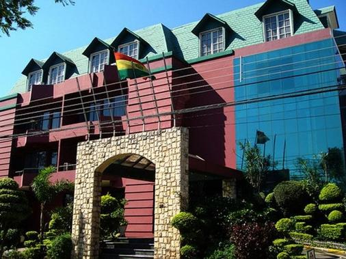 Royal Lodge Hotel - Santa Cruz - Rakennus