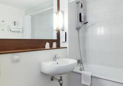 Campanile Lille Ouest - Lomme - Lomme - Bathroom