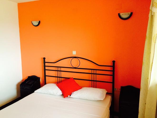 Blue Bell Hotel - Santo Antao - Bedroom