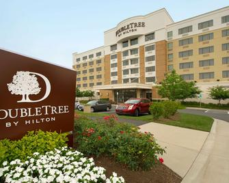 DoubleTree by Hilton Sterling - Dulles Airport - Sterling - Building