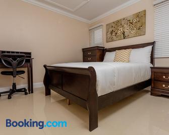Imperial Bay Beach and Golf Residence - Basseterre - Bedroom