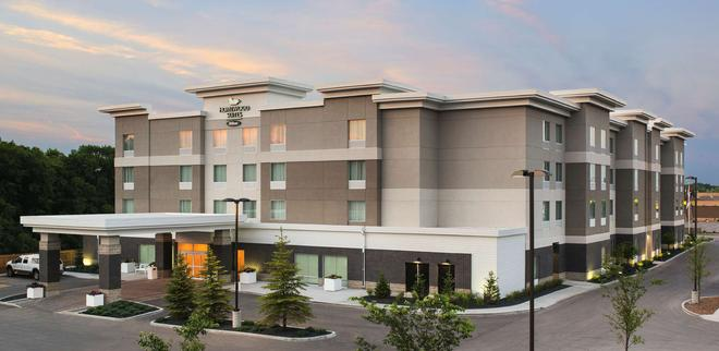 Homewood Suites by Hilton Winnipeg Airport-Polo Park, MB - Winnipeg - Building
