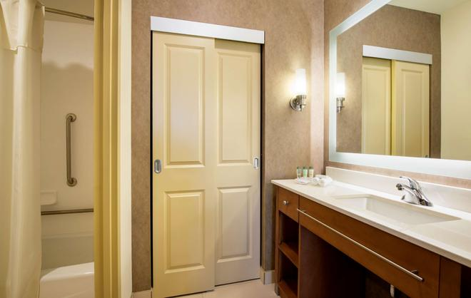 Homewood Suites by Hilton Winnipeg Airport-Polo Park, MB - Winnipeg - Bathroom