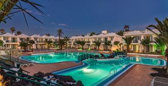 H10 Ocean Suites - Corralejo - Pool