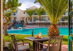 H10 Ocean Suites - Corralejo - Uima-allas