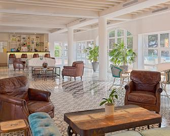 H10 Ocean Suites - Corralejo - Lobby