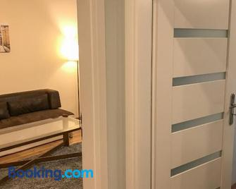 Apartament Awiator Mielec - Мелець - Living room