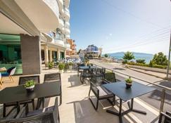 Hotel Blue Sky - Sarandë - Balkon