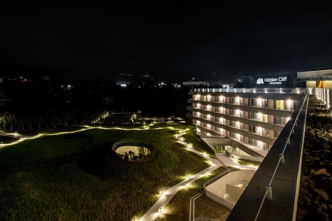 Hidden Cliff Hotel & Nature - Seogwipo - Building