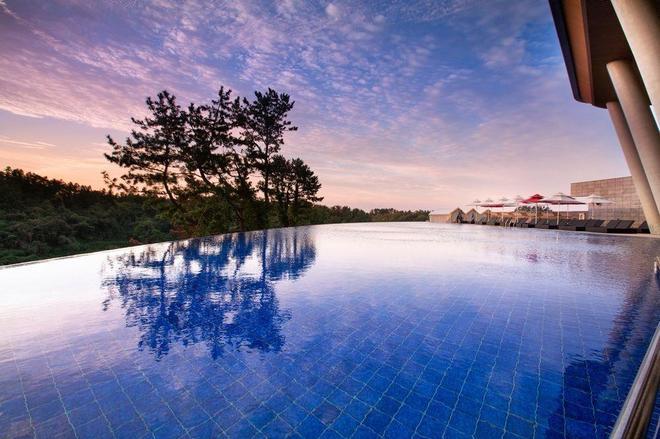 Hidden Cliff Hotel & Nature - Seogwipo - Pool