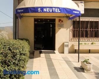 São Neutel - Chaves - Gebouw