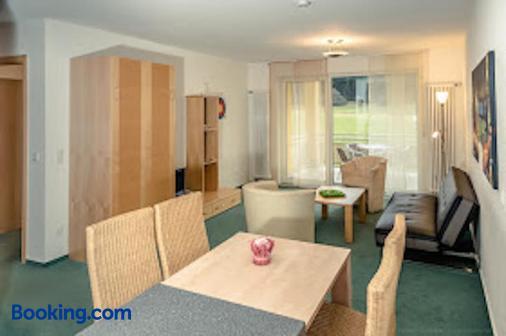 Apartmenthaus Sportchalet - Bad Duerrheim - Dining room