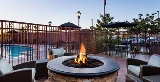 Residence Inn by Marriott San Diego Oceanside - Oceanside - Patio