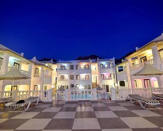 Bahama Art Hotel - Turgutreis - Gebäude