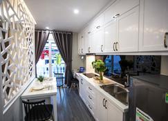 Jack Apartment - Tân Quí Đông - Kitchen