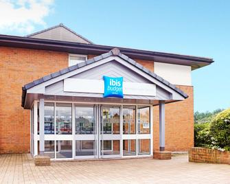 ibis budget Warrington Lymm Services - Lymm - Building