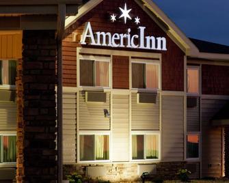 AmericInn by Wyndham Osage - Osage - Building