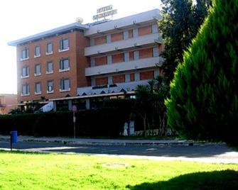 Hotel Excelsior - Latina - Gebouw