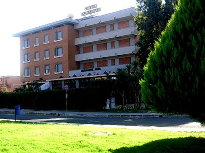 Hotel Excelsior Da 41 7 5 Latina Hotel Kayak
