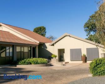 Mondior Manor Guest House - Kimberley - Edificio