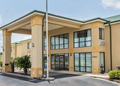 Days Inn by Wyndham Montgomery - Montgomery - Building