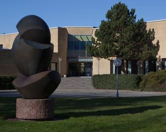 Kystvejens Hotel og Konferencecenter - Grenaa - Building