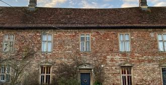 The Old Parsonage - Bristol - Toà nhà
