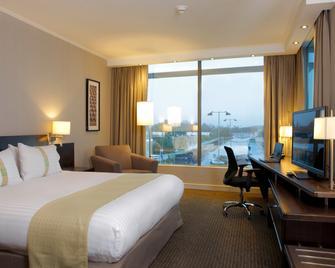 Holiday Inn Santiago - Airport Terminal - Santiago - Bedroom
