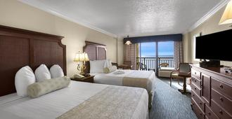 Holiday Inn At the Pavilion - Myrtle Beach - Bedroom